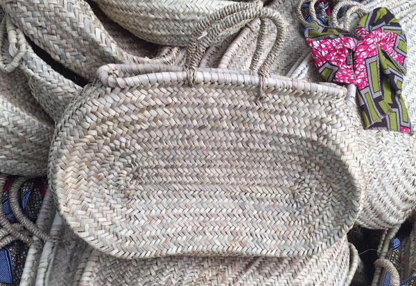 DOUM, panier oval en feuilles de palmier tressées , 40x30 cm